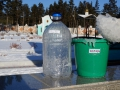 Замерзло кропило после окропления территории в день Крещения