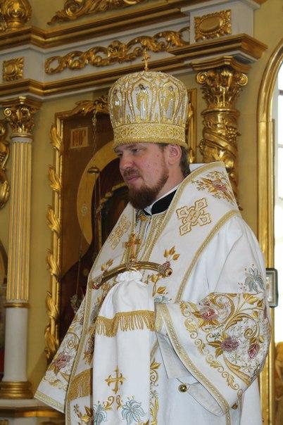 4. Владыка Владимир принимает поздравления