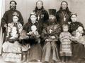 Протоиерей Михаил Винокуров с сыновьями Иннокентием, Алексеем, Евгением и их женами