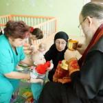 Причащение детей в Доме ребнка